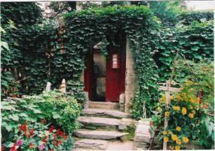 小院的门前